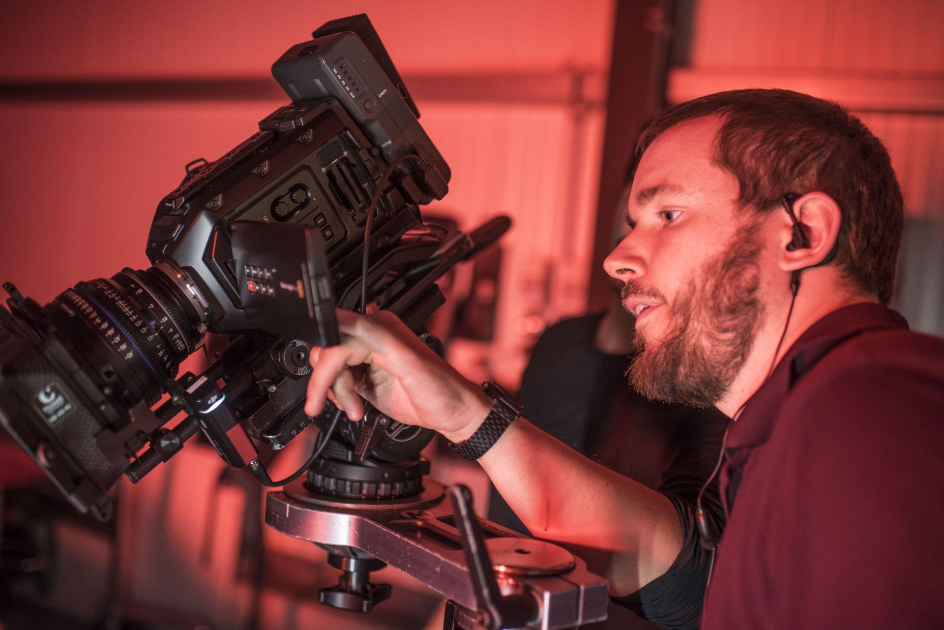 Bastian Deitermann bei den Dreharbeiten für DTE-Systems. Foto: Stadt Recklinghausen