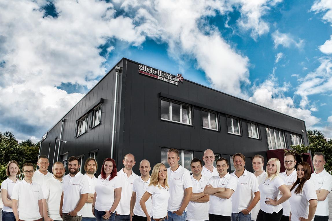 Mitarbeiterinnen und Mitarbeiter des Onlineshops. Foto: click-licht.de
