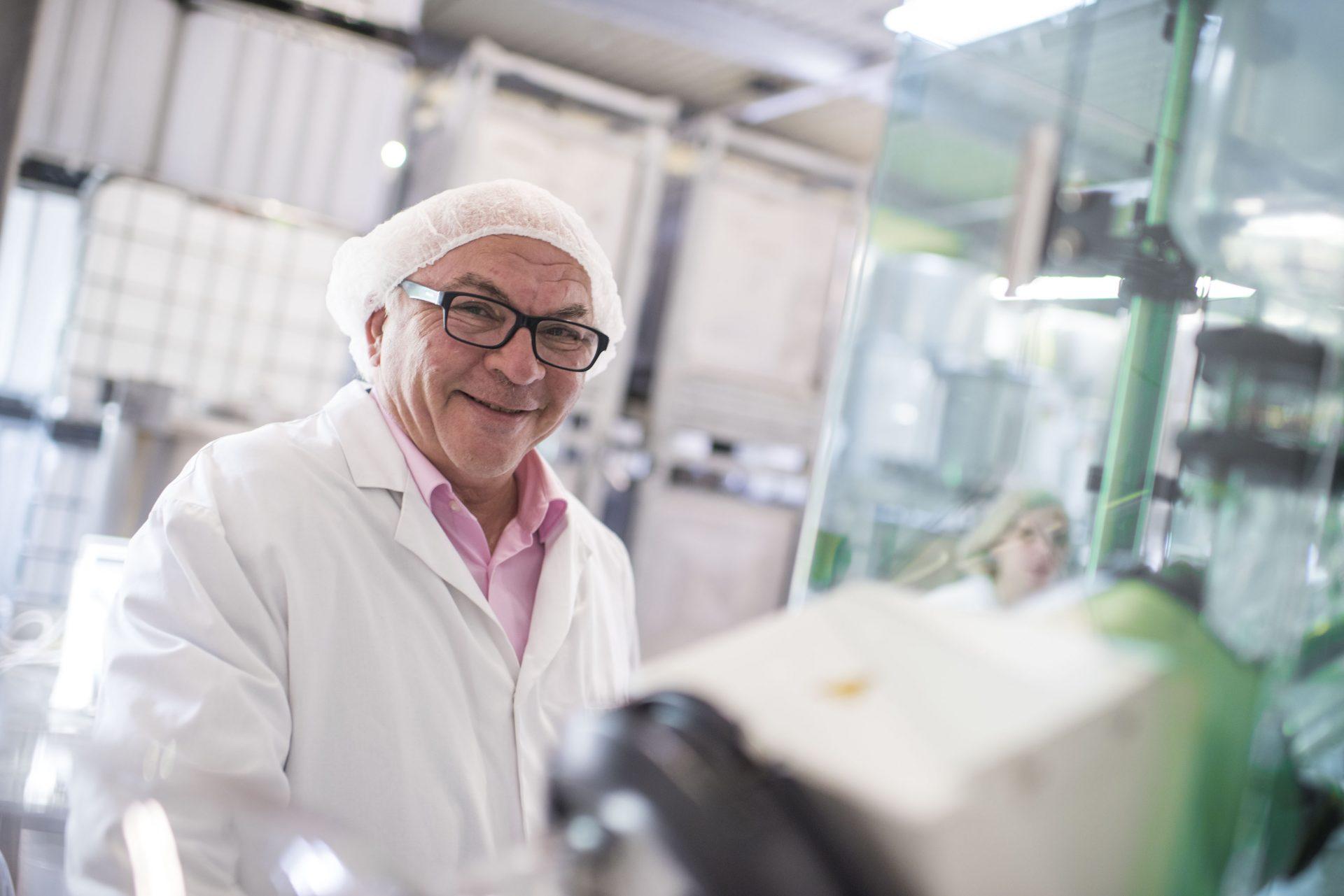 Das Foto zeigt Josef Möller, den Inhaber von Möller Pharma und der Obstsaftkelterei Josef Möller. Foto: Stadt Recklinghausen